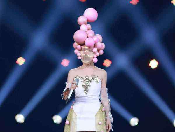 粉红女王 蒙面唱将2粉红女王身份揭秘 身形唱功极似李慧珍