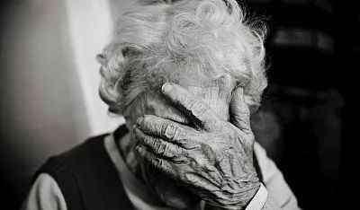 脸上长老年斑 我脸上长了老年斑,血管上也会长斑吗?