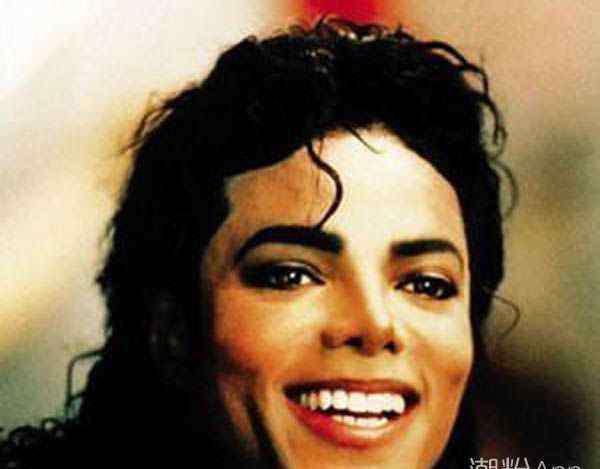 迈克尔杰克逊的死因 迈克尔杰克逊是怎么死的 揭秘其真正死亡真相
