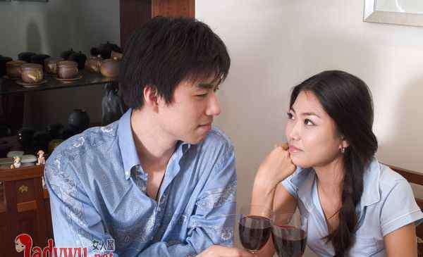 敢盯着你看的男人 已婚男人直勾勾看着你说明啥 敢盯着你看的已婚男人心理