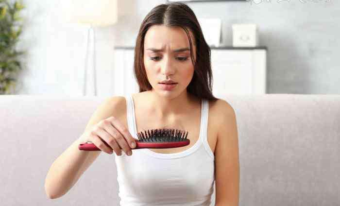 头发出油是肝火旺吗