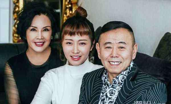 潘长江的老婆 潘长江妻子是谁 杨云是其生活中的贤内助