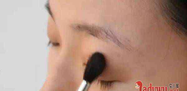 单眼皮眼妆图片 单眼皮化大眼妆怎么画 单眼皮画出双眼皮步骤图解