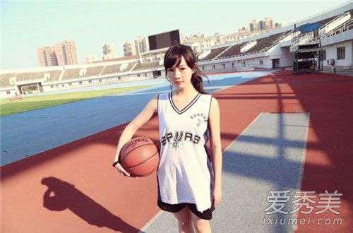 打篮球有什么好处 打篮球可以减肥吗 女生打篮球有什么好处