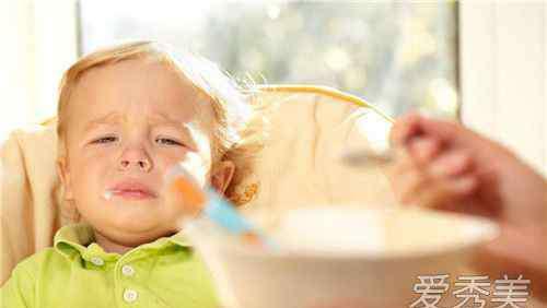 孩子积食症状 宝宝积食发烧的症状和退烧的方法