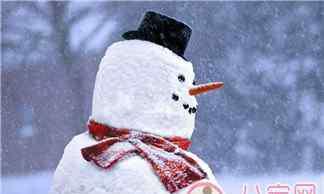 形容冬天的句子唯美 堆雪人唯美的句子短语 形容下雪堆雪人唯美的语句说说