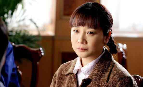 陈小艺的老公是谁 陈小艺简历照片流出 陈小艺婚史与老公分居多年离婚了吗