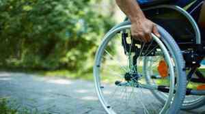 风湿脚痛的症状 脚痛是什么原因引起的