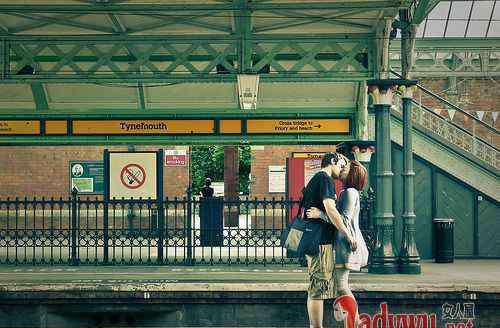 吻手礼 为什么男友接吻时喜欢伸舌头 揭真正爱你的男人会亲你哪里