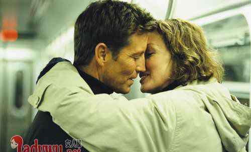 他喜欢你你是有感觉的 从哪里看出男的喜欢你 男人的喜欢你是能感觉得到的