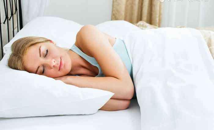 睡前做12个动作最减肥