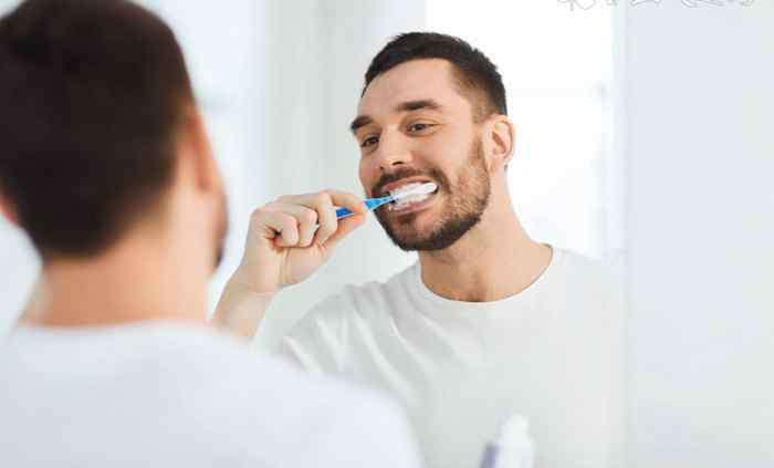 老人的牙齿该怎么护理