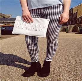 格子裤子配什么上衣好看图片 格子裤子配什么上衣好看 尽显英伦范儿