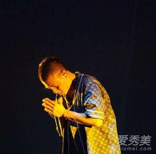 超级明星制作人 陈冠希吐槽新说唱是怎么回事 陈冠希吐槽新说唱说了什么