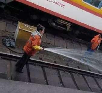 阿姨洗铁路什么意思日语 抖音阿姨洗铁路是什么意思 抖音阿姨洗铁路是什么梗