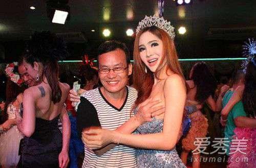 人妖上女人 泰国人妖 泰国人妖胸是真的吗