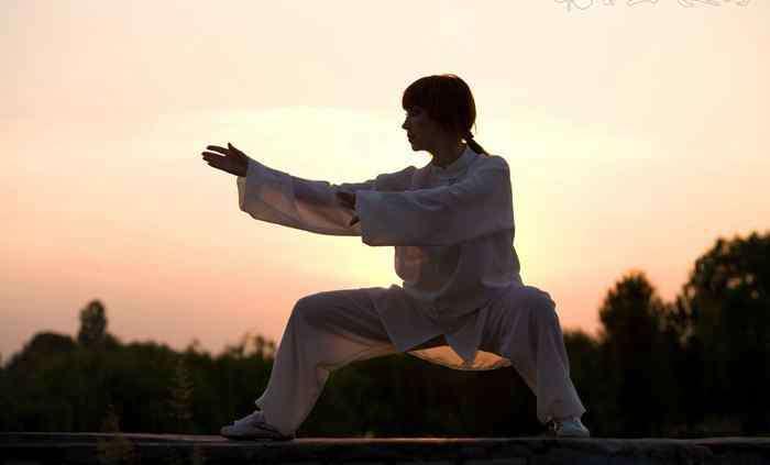 如何自学太极拳