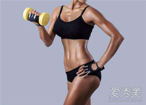 侧腹肌锻炼方法 哑铃可以练腹肌吗 哑铃怎么练腹肌图解