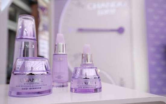 自然堂蓝色好还是紫色 自然堂紫瓶和蓝瓶区别