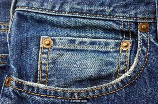 牛仔裤的小口袋是干什么用的 牛仔裤上的小口袋是装什么的 存在就一定有道理~