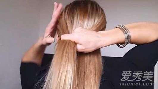 盘头的方法 夏季简单的盘头方法 夏季发型中长发盘发扎法图解