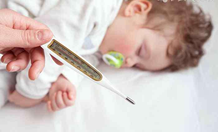 小孩发烧按哪个穴位退烧