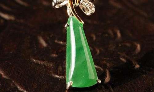 全绿翡翠 翡翠满绿和阳绿的区别 满绿收藏价值高