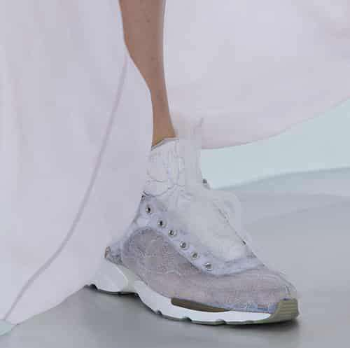 卡尔拉格斐 香奈儿2014春夏高定秀 卡尔拉格斐将高级运动鞋搬至T台