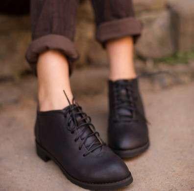英伦风搭配 英伦风单鞋搭配 文艺范气息的点缀品