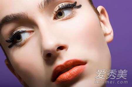 捏鼻梁的正确方法图片 捏鼻梁真的可以变挺吗?捏鼻梁的正确方法图片