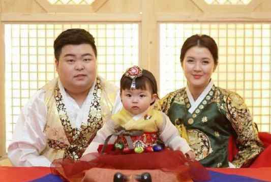 王芷璇是谁的女儿 罗熙rohee爸爸妈妈照片 韩国宝宝罗熙rohee是谁的女儿