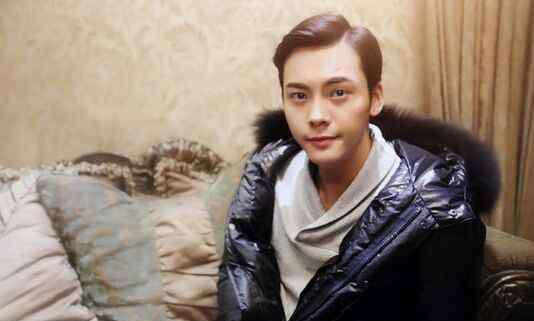 陈伟霆诗雅 陈伟霆是gay吗 床戏小王子这个名字还是蛮适合他的