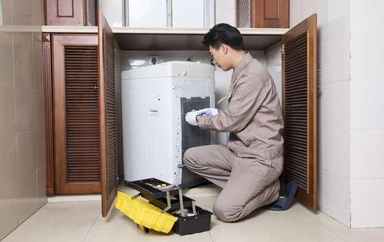 洗衣机排水管堵了怎么办 洗衣机排不了水是什么原因 该怎么处理
