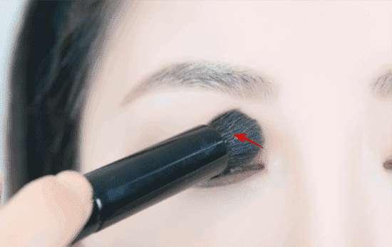 br1 KATE骨干眼影br1怎么画 自然裸妆系眼妆