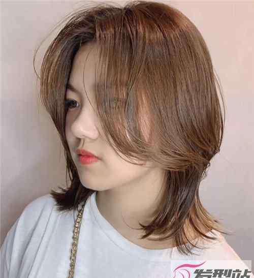 中长发梨花 鹅蛋脸妹子梨花头中长发发型图