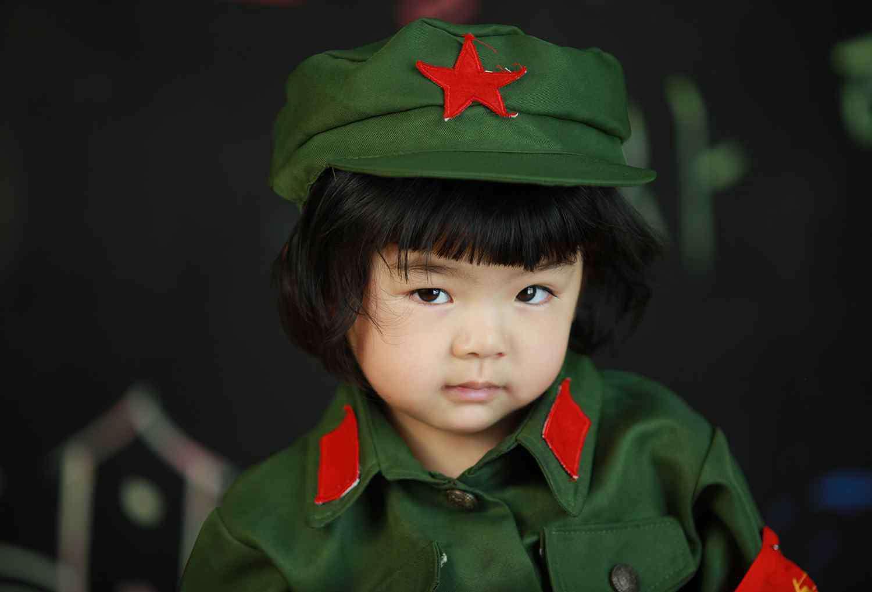 呆萌图片大全可爱 可爱又呆萌的小小红军摄影图片