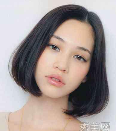 中分女生 8款中分女生发型 大脸成功蜕变巴掌脸