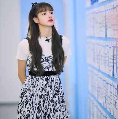 豹纹连衣裙 青春有你2Lisa同款豹纹连衣裙好看 甜美又乖巧的小野猫