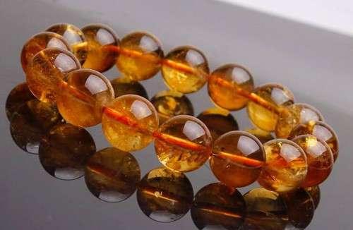 黄水晶手链价格 黄水晶手链值多少钱 分三个档次