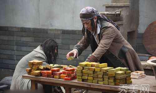 刑名师爷之迷情双龙 《刑名师爷》剧情揭秘 霍建华向吴奇隆兜售肥皂