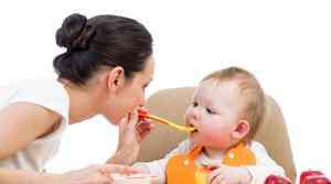 新生儿怎么抱是正确的 新生儿怎样抱正确姿势