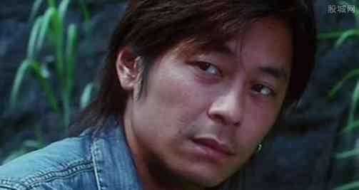 王杰的嗓子是谁下的毒 歌手王杰现状怎么了过得怎么样嗓子谁下的毒?为何那么多人黑王杰