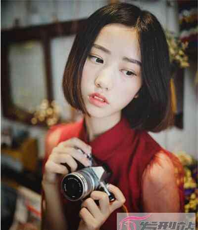 小脸女生适合什么发型 脸小的女生适合什么样的发型 可长可短可盐可甜打造小脸美人