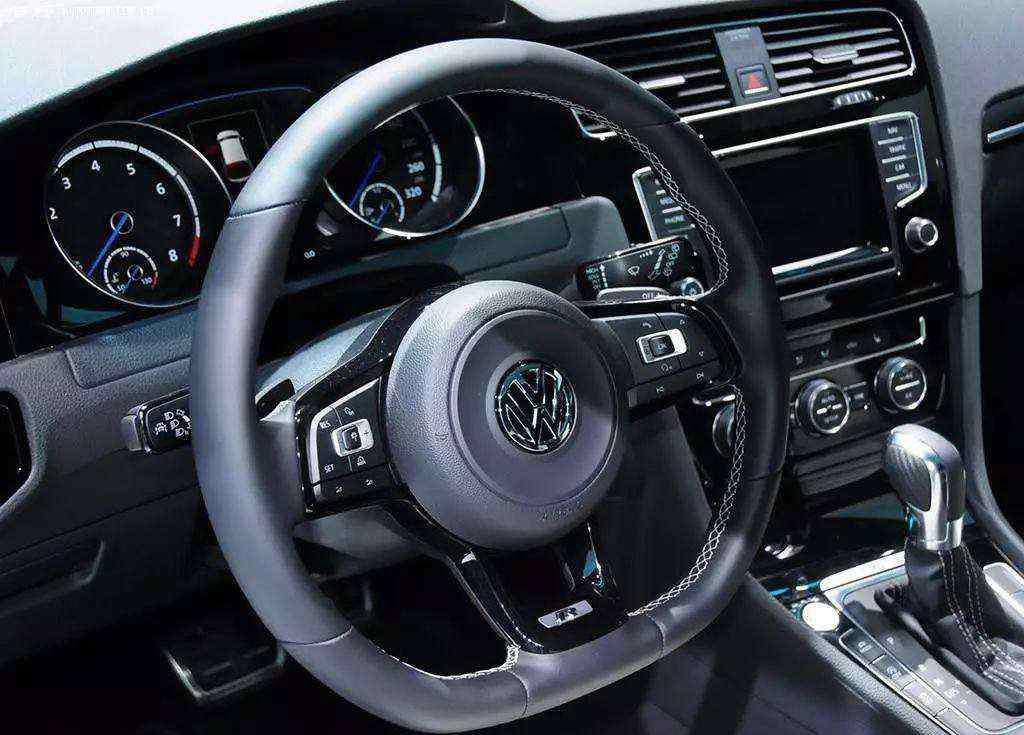 老司机开车的意思 开车R字母什么意思 老司机告诉你