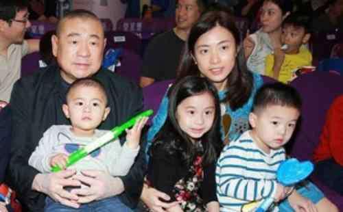 香港命理吕丽君 大刘为什么喜欢甘比面相不一般命理富贵?甘比怎么勾搭征服刘銮雄(2)