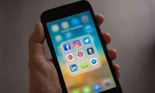 不进入微信收不到信息 人家发微信来不显示什么原因 打开微信才能看到 微信收到新消息不提醒怎么办
