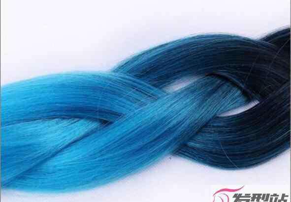 天蓝色怎么调出来的 染发天蓝色怎么调配方
