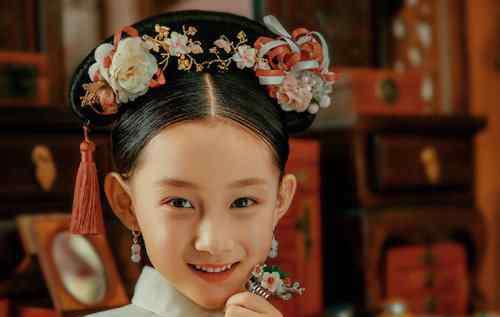 汉服学生简单发型 14岁少女秋天穿汉服真清雅灵动 初中女生简单流行古装发型