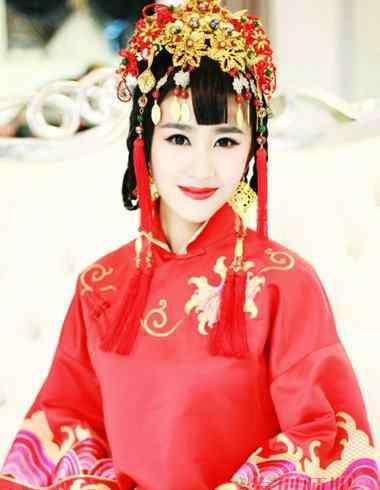 新娘晚装 中式的新娘头装 晚装盘发图片与步骤