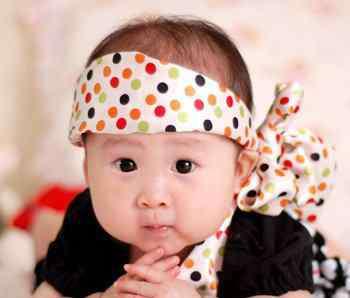 鬓角没头发 新生儿鬓角没头发才正常 宝宝鬓角没头发可以这样凹造型超萌